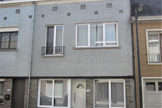 Charmante gerenoveerde woning op 1100m² met zuidgerichte tuin.