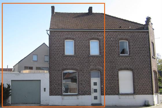 DOND 2/5 1ste BEZOEKAVOND OP AFSPRAAK 0488/85.81.84 Charmante gerenoveerde woning op 117m² met mooi zonnig terras en garage.