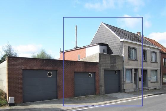 ZAT 17/8 - 1ste BEZOEKDAG OP AFSPRAAK 0488/85.81.84 Charmante woning op 166m² met 2 garages, zonnig terras in het hartje van de Vlaamse Ardennen.