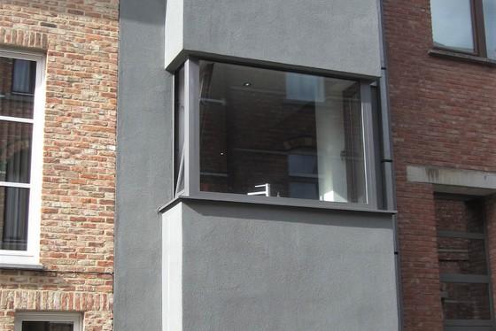 ZAT 9/11 BEZOEKDAG OP AFSPRAAK 0488/85.81.84 Charmante bel-etage nieuwbouwwoning van 2012 met garage en terras. GENIET NU NOG VAN DE WOONBONUS !!