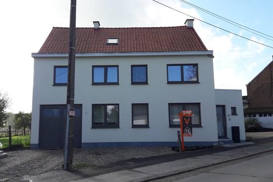 ZAT 26/10 - 1STE BEZOEKDAG OP AFSPRAAK 0488.85.81.84 Charmant gerenoveerde woning op 623m² gelegen in het hartje van de Vlaamse Ardennen. GENIET NU NOG VAN DE WOONBONUS !!