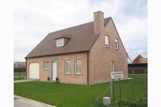 In het hartje van de Vlaamse Ardennen in doodlopend straatje. Nieuw te bouwen open bebouwing op 5a. ...