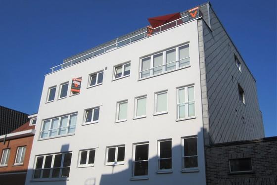 Prachtig gerenoveerd appartement in 2008 op 84m² met zuidgericht terras en lift.