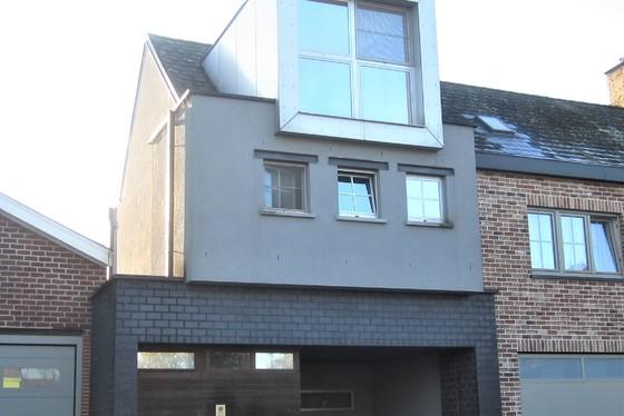 Prachtig gerenoveerde woning op 157m² met zuidgerichte tuin en terras.