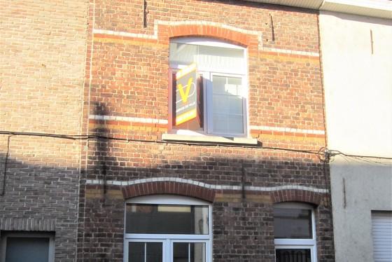 Prachtig gerenoveerde woning van 2006-2011 met zuidgericht terras.