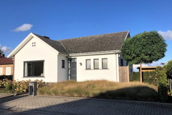 Prachtige residentiële open bebouwing op 567m² met mooie aangelegde tuin, oprit en terras!