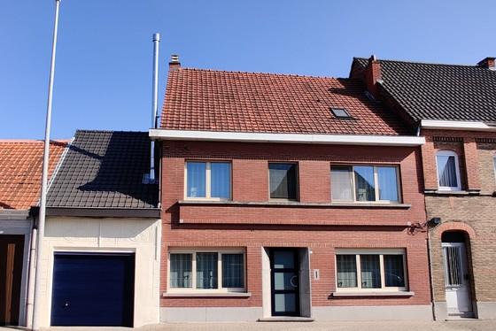 Charmante woning op 284m² met mooie tuin, terras en garage!