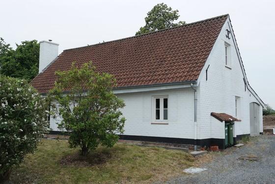 Prachtig gerenoveerde hoeve op 1267m² met zonnige tuin, terras en landelijk uitzicht!