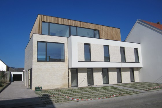 Prachtig nieuwbouwappartement v 109m² met zuidgericht terras 22m², garage, staanplaats en lift.